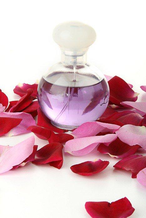 Духи из лепестков розы в домашних условиях 491