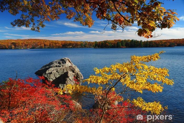 Vinylová fototapeta Podzimní Mountain s výhledem na jezero - Vinylová fototapeta