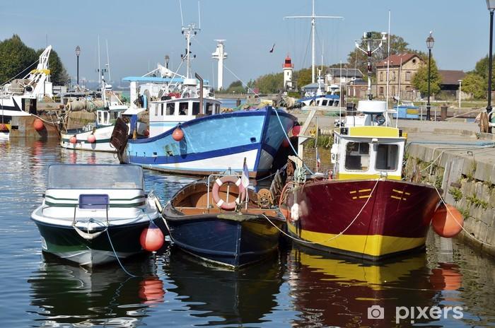 Vinylová fototapeta Rybářské lodě v přístavu Honfleur ve Francii - Vinylová fototapeta