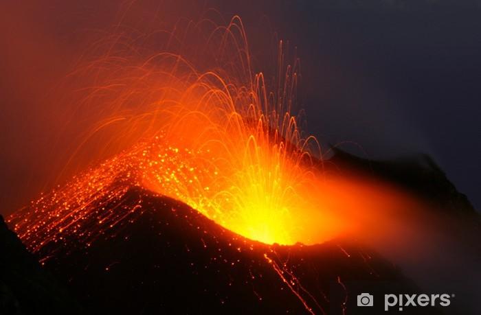 Vinylová fototapeta Sopečná erupce v noci. Stromboli sopka - Vinylová fototapeta
