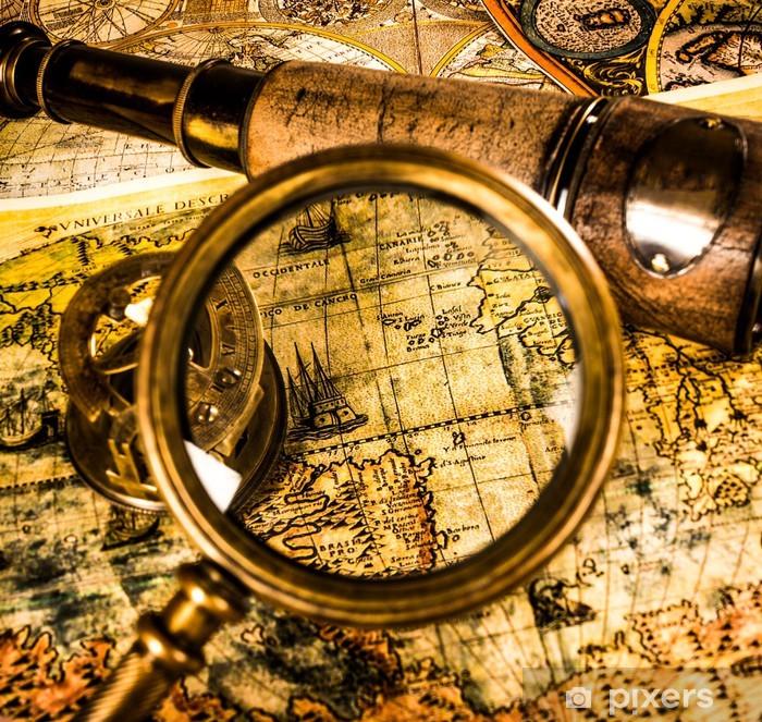 Vinylová fototapeta Vintage lupy leží na staré mapě světa - Vinylová fototapeta