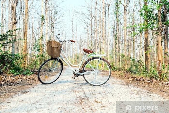 Nálepka na ledničku Krásné vintage kolo v lese. • Pixers® • Žijeme ... cd571a1fb9
