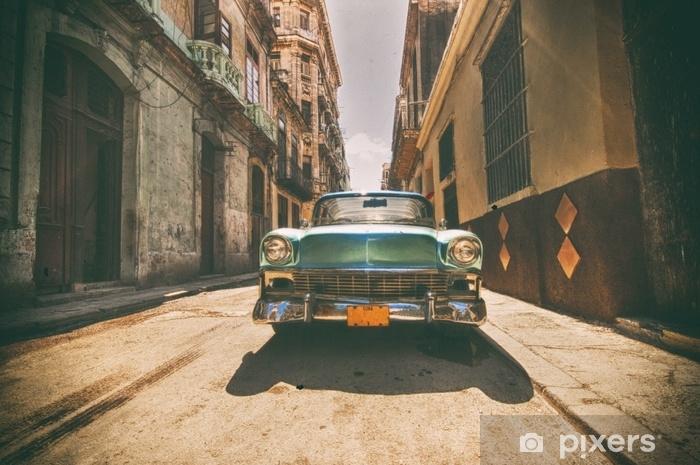 Papier Peint Voiture Vintage Garee Dans La Rue De La Havane Pixers