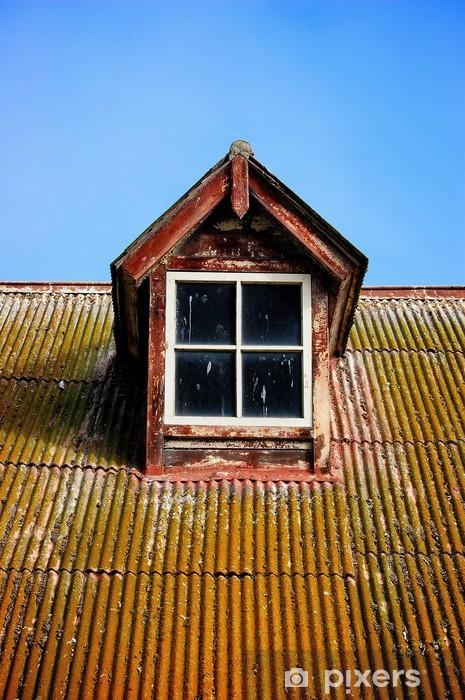 Fenetre Rustique sticker une fenêtre rustique sur le dessus d'un toit en tôle ondulée