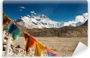 Abwaschbare Fototapete Buddhistischen Gebetsfahnen und Mount Everest