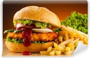 Abwaschbare Fototapete Großen Hamburger, französisch frites und Gemüse