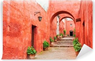 Abwaschbare Fototapete Rote Wände im Santa Catalina Kloster in Arequipa, Peru