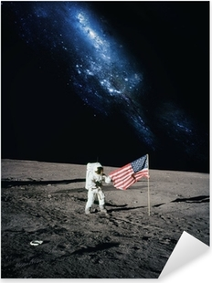 Adesivo Pixerstick Astronauta camminare sulla luna. Elementi di questa immagine fornita da N