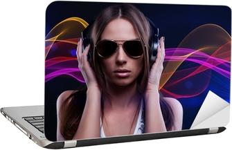 Poster DJ donna godendo la musica in cuffia • Pixers® - Viviamo per il  cambiamento 1f32069cb724