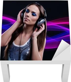 Quadro su Tela DJ donna godendo la musica in cuffia • Pixers® - Viviamo per  il cambiamento baf36ccb1532