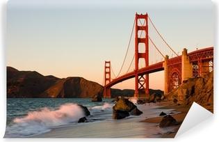 Afwasbaar Fotobehang Golden Gate Bridge in San Francisco bij zonsondergang