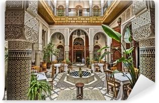 https://t1.pixers.pics/img-1fb6f67c/afwasbaar-fotobehang-marokkaans-interieur.jpg?H4sIAAAAAAAAA3WOXW6EMAyErxMkwE5IAHOAfd0joEDClpafKMm2q56-RlUfKz_YM9L4G3geyS4eZn9kH2Ffnds8LOvGKg3Rp_XbCyx1S8XA7iYQsRjOTx_neAZR9aasFJqyI1O2nSmGL8vJ3cYP8ZZzSANAauqwvvgdrznBvCdQKDvAFgwZbRc5ydlpO2YbfLZV81J1OB4lXlP8ddDILS52jusuuMzJlCzew6OAf0i_N3AKbndmASkWQP1ljbe7IVIaqR9l00pNk5uUkmTaRi8GpXLUGK973bmaKT_95OoPKQEAAA==