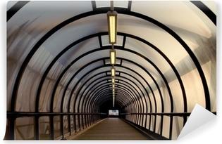 Afwasbaar Fotobehang Perspex tunnel loopbrug