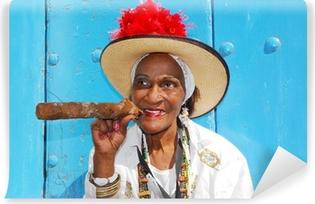 Afwasbaar Fotobehang Sigaar dame in Havana Cuba