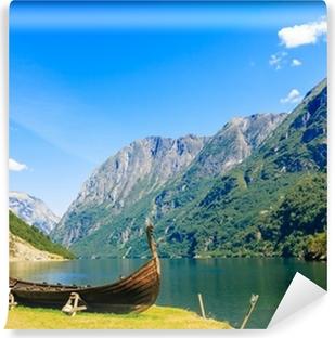 Afwasbaar Fotobehang Toerisme en reizen. Bergen en fjord van Noorwegen.