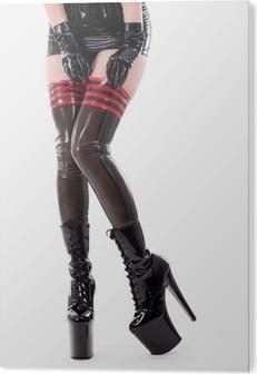 af42f0e06 Sexy jente legger på latex strømper