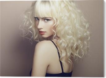 Kuva seksikäs blondi nainen näyttää jalat Tapetti • Pixers® - Elämme ... 7e6f619581