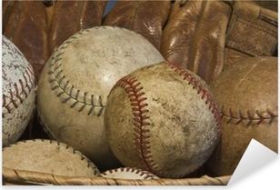 Pixerstick Aufkleber A Basket of Old Baseballs mit einem Antik-Handschuh