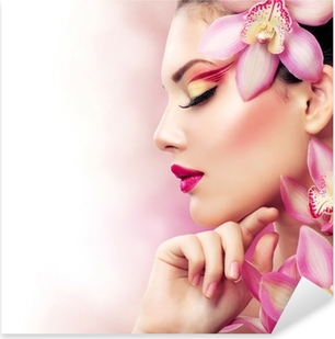 Pixerstick Aufkleber Beautiful Girl With Orchid Flowers. Perfekte Make-upp