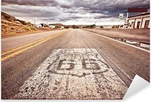 Pixerstick Aufkleber Eine alte Route 66 Schild auf Straße gemalt
