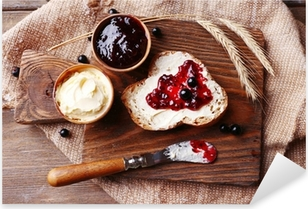 Pixerstick Aufkleber Frisches Brot mit Butter und hausgemachten Johannisbeermarmelade