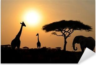 Pixerstick Aufkleber Giraffen und Elefanten mit Acacia Baum mit Sonnenuntergang