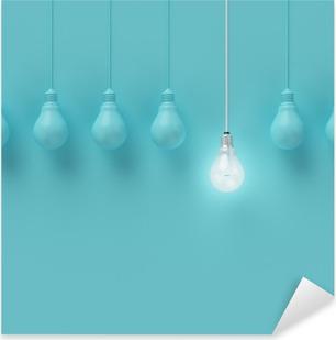 Pixerstick Aufkleber Hängende Glühbirnen mit einer unterschiedlichen Idee auf hellblauem Hintergrund, Minimal Konzept Idee, flach lag glühend, topp