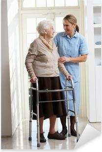 Pixerstick Aufkleber Pfleger helfen Ältere ältere Frau, die Laufgestellp