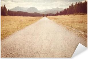Pixerstick Aufkleber Straße in Richtung der Berge - Vintage Bild