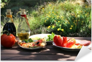 Pixerstick Aufkleber Stück Pizza im Sommergarten