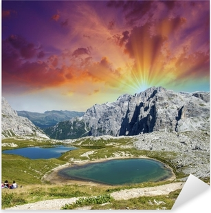 Pixerstick Aufkleber Wunderschöne Seen und Gipfeln der Dolomiten. Sommer Sonnenuntergang über Alpen