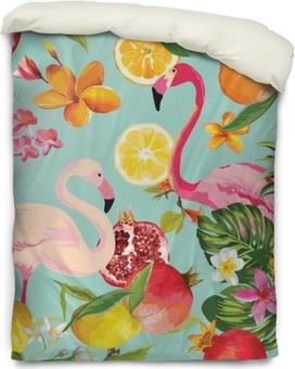Bettbezug Nahtlose tropische Früchte und Flamingomuster im Vektor. Granatapfel, Zitrone, orange Blumen, Blätter und Früchte Hintergrund.