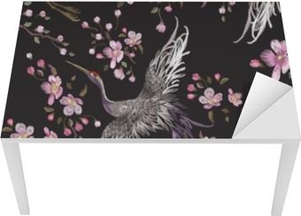 Bord- og skrivebordsklistremerke Broderi orientalsk sømløs mønster med kraner og kirsebærblomst. vektor brodert floral patch med fugl for klær design.