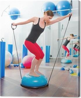 Canvas BOSU bal voor fitness instructeur vrouw in aerobics