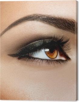 Canvas Brown Eye Make-up. Ogen Make-up