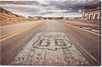 Canvas Een oude Route 66 schild geschilderd op de weg