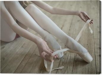 Canvas Het aantrekken van ballet schoenen