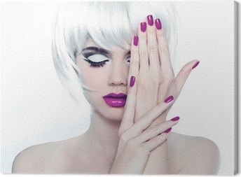 Canvas Make-up en gemanicuurde nagels polijsten. Fashion Style Schoonheid Vrouw Po