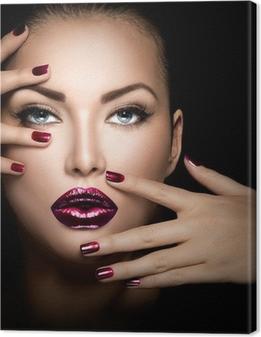 Canvas Mannequinmeisje gezicht, schoonheid vrouw make-up en manicure