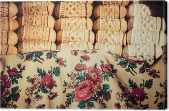 Canvas Traditionele Poolse gerookte kaas oscypek op de markt in Zakopane