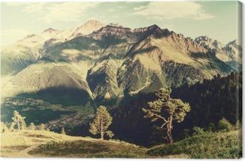 Canvas Vintage landschap met bomen en bergen