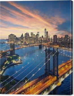 Canvastavla New York City - solnedgång över Manhattan och Brooklyn Bridge
