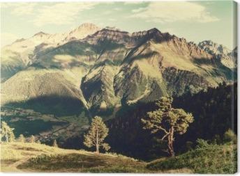 Canvastavla Vintage landskap med träd och berg