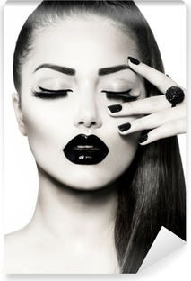 Carta da Parati in Vinile Bianco e nero Brunette Girl Portrait. Trendy Caviar Manicure