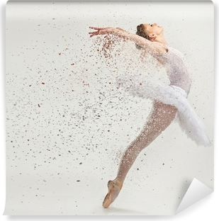 Carta da Parati in Vinile Giovane ballerina ballerina in tutù che effettua sulla punta