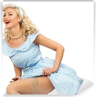 43b651aaa0a8 Carta da Parati Bella donna caucasica vestito con un costume da cameriera  francese • Pixers® - Viviamo per il cambiamento