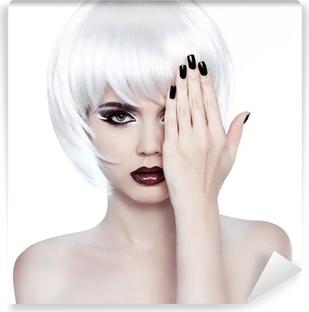 Carta da Parati Bellezza ragazza ritratto con trucco e capelli bianchi  corti mostrando E • Pixers® - Viviamo per il cambiamento d99e1854f7d9