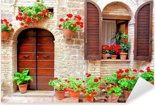 Çıkartması Pixerstick Rengarenk saksı çiçekleri ile İtalyan ev ön