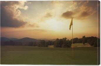 Cuadro en Lienzo La salida del sol de la montaña en el campo de golf