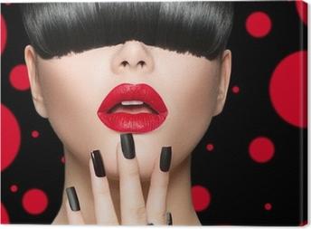 Cuadro en Lienzo Modelo de la muchacha del retrato con la moda Peinado, maquillaje y manicura